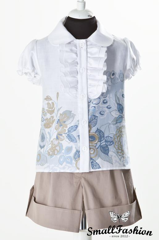 Блузка с рисунком и жабо