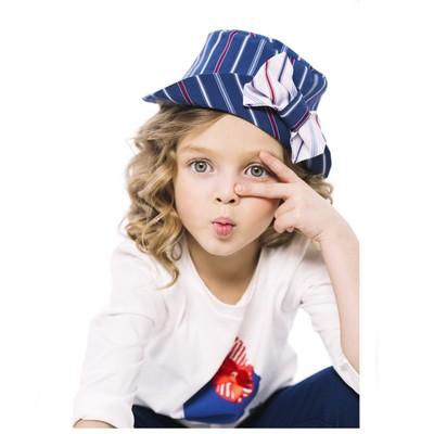 Синяя шляпка в полоску для девочки с декором