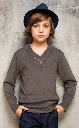 Пуловер из серо-коричневого трикотажа