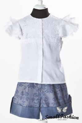 Блузка с «крылышками»